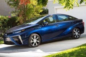 Serienbrennstoffzellen Auto – TOYOTA Mirai